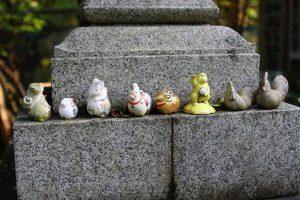 大豊神社 - 小さな動物達