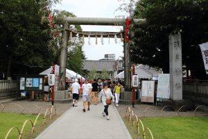 浅草神社 - 鳥居と社号標