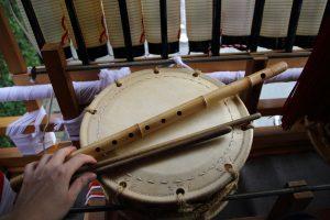 小太鼓と特一本調子の横笛