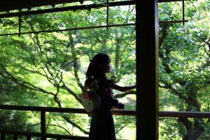 瑠璃光院 - 山紅葉と娘
